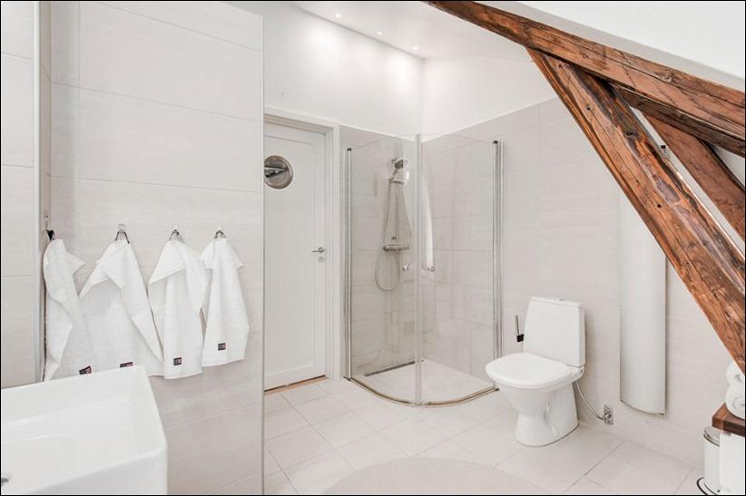 2793 dizayn interera 18 Эффектный Attic Duplex со стеклянным полом в Стокгольме